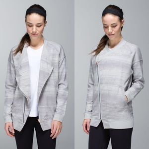 Lululemon Asymmetrical Zip Mula Bundle Wrap Jacket